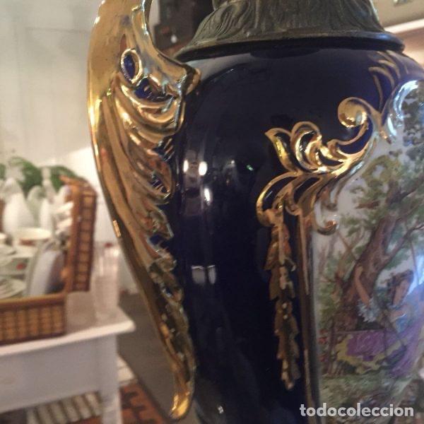 Antigüedades: Jarrón de porcelana de estilo imperial y motivos fragonard 62 cm - Foto 7 - 118468295