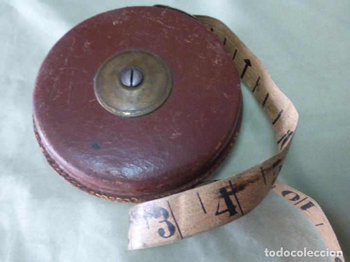 Antigüedades: ANTIGUA CINTA MÉTRICA EN CUERO Y BRONCE. 10 METROS . ORIGINAL PRINCIPIOS DEL XX - Foto 6 - 198036582