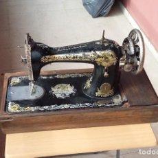 Antigüedades: MAQUINA DE COSER SINGER AÑO 1910S FUNCIONANDO RESTAURADA (MADRID). Lote 198041112