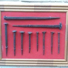 Antigüedades: 2 .- CUADRO CON 10 CLAVOS ANTIGUOS EN HIERRO FORJADO - SIGLO XVII-XVIII.. Lote 198047862