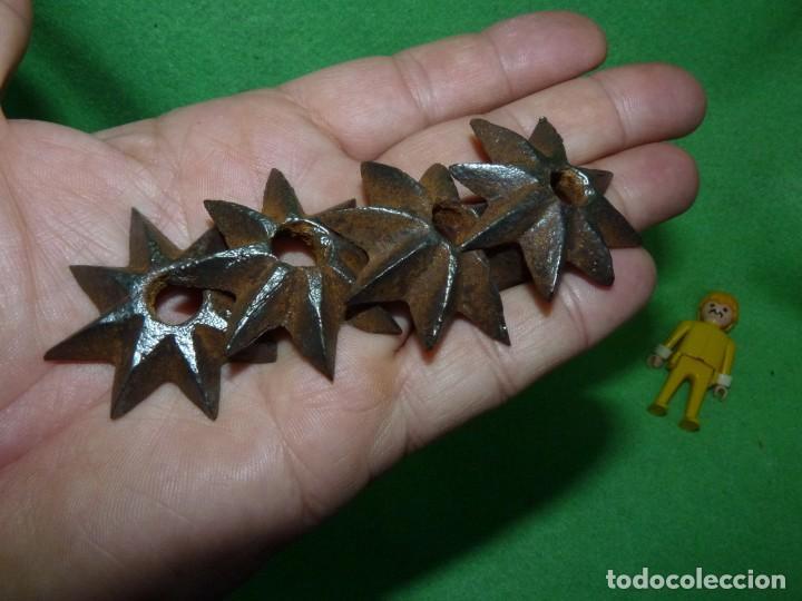Antigüedades: Raro lote estrellas 8 puntas hierro forjado a mano adorno remate clavo portón madera XIX decoración - Foto 6 - 217194553