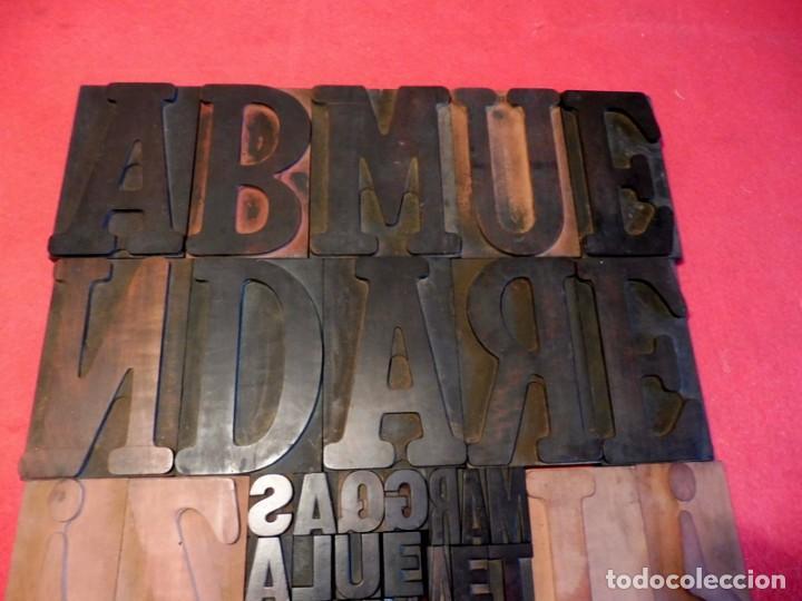 Antigüedades: CAJA CON LETRAS DE IMPRENTA DE MADERA DE FINALES XIX - PRINCIPIOS XX - Foto 10 - 198085600