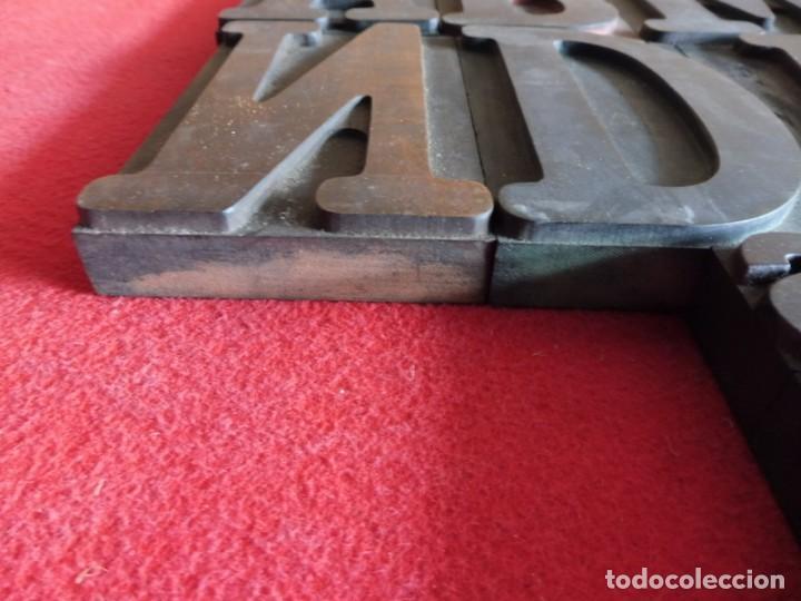 Antigüedades: CAJA CON LETRAS DE IMPRENTA DE MADERA DE FINALES XIX - PRINCIPIOS XX - Foto 15 - 198085600