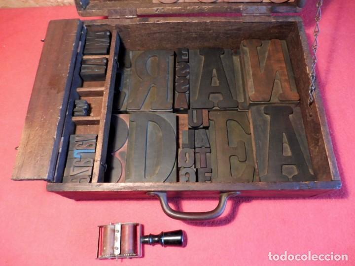 Antigüedades: CAJA CON LETRAS DE IMPRENTA DE MADERA DE FINALES XIX - PRINCIPIOS XX - Foto 36 - 198085600