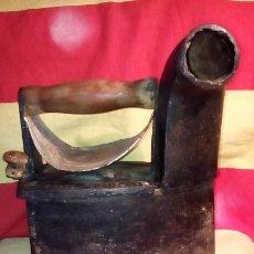 Antigüedades: PLANCHA DE CARBON .. Lote 198175731