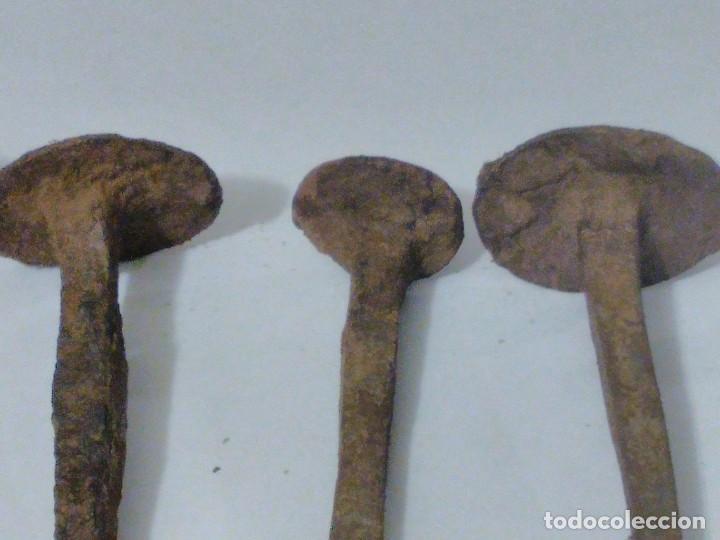 Antigüedades: Lote 8 clavos de hierro forjado.muy antiguos - Foto 7 - 198179757