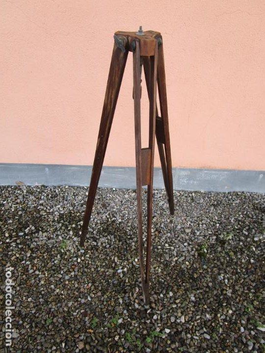 Antigüedades: Antiguo Trípode Militar Extensible, Madera de Roble - Aparatos Ópticos, Cámara Fotográfica -Original - Foto 2 - 198206511
