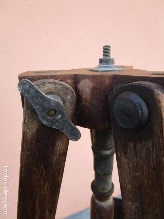 Antigüedades: Antiguo Trípode Militar Extensible, Madera de Roble - Aparatos Ópticos, Cámara Fotográfica -Original - Foto 6 - 198206511
