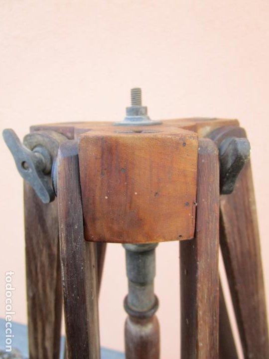 Antigüedades: Antiguo Trípode Militar Extensible, Madera de Roble - Aparatos Ópticos, Cámara Fotográfica -Original - Foto 9 - 198206511