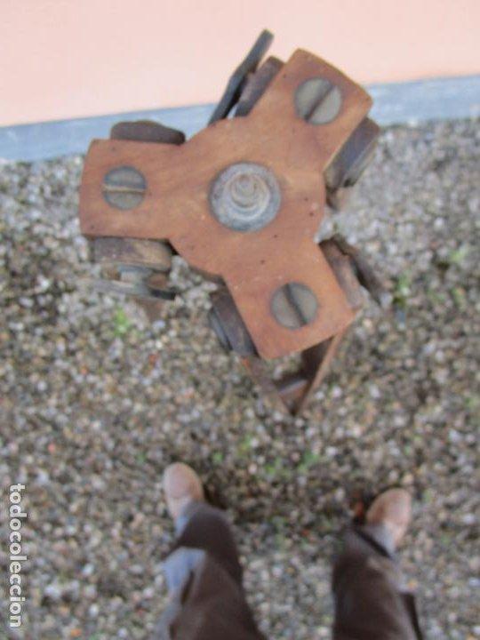 Antigüedades: Antiguo Trípode Militar Extensible, Madera de Roble - Aparatos Ópticos, Cámara Fotográfica -Original - Foto 10 - 198206511