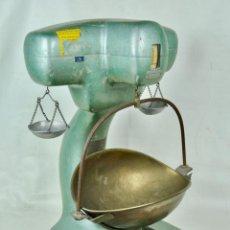 Antigüedades: BALANZA FRANCESA DE TIENDA 5 KG. Lote 107974511