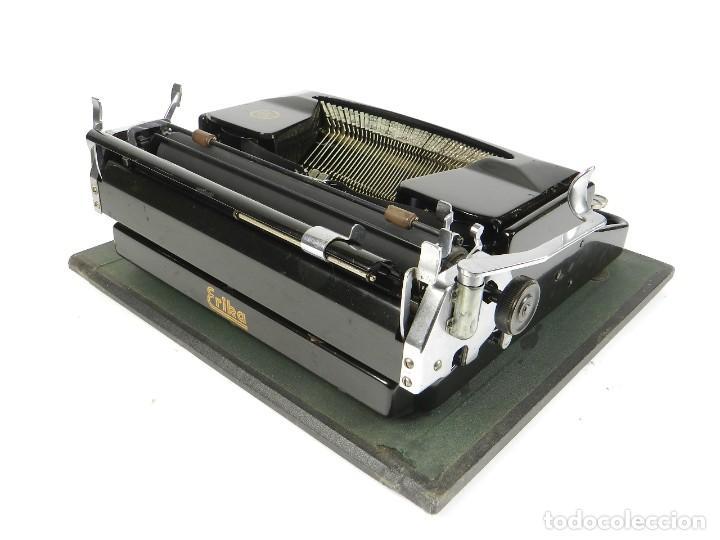Antigüedades: MAQUINA DE ESCRIBIR ERIKA Mod.M AÑO 1935 TYPEWRITER SCHREIBMASCHINE - Foto 3 - 198353987