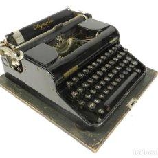 Antigüedades: MAQUINA DE ESCRIBIR OLYMPIA DE LUXE AÑO 1935 TYPEWRITER SCHREIBMASCHINE. Lote 198355412