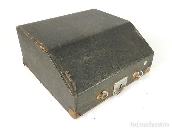 Antigüedades: MAQUINA DE ESCRIBIR ERIKA Nº5 AÑO 1940 TYPEWRITER SCHREIBMASCHINE - Foto 8 - 198356658