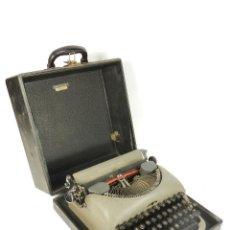 Antigüedades: MAQUINA DE ESCRIBIR REMINGTON RAND AÑO 1955 TYPEWRITER SCHREIBMASCHINE. Lote 198361063