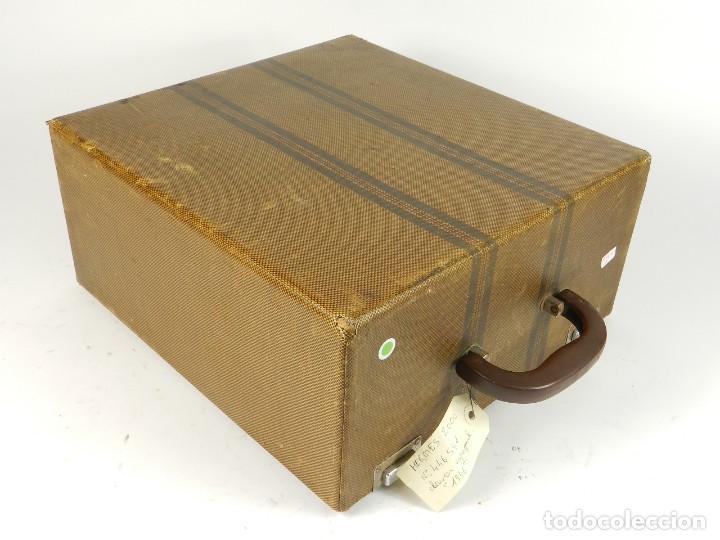 Antigüedades: MAQUINA DE ESCRIBIR HERMES 2000 DE 1946 TECLADO ESPAÑOL TYPEWRITER SCHREIBMASCHINE MACHINE ECRIRE - Foto 8 - 198398560