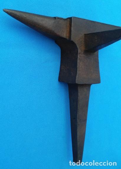 Antigüedades: YUNQUE BIGORNIA ANTIGUO EN HIERRO FORJA -S. XVIII-. 21 CMS DE ALTO Y 2.250 KGR DE PESO. - Foto 4 - 198408727