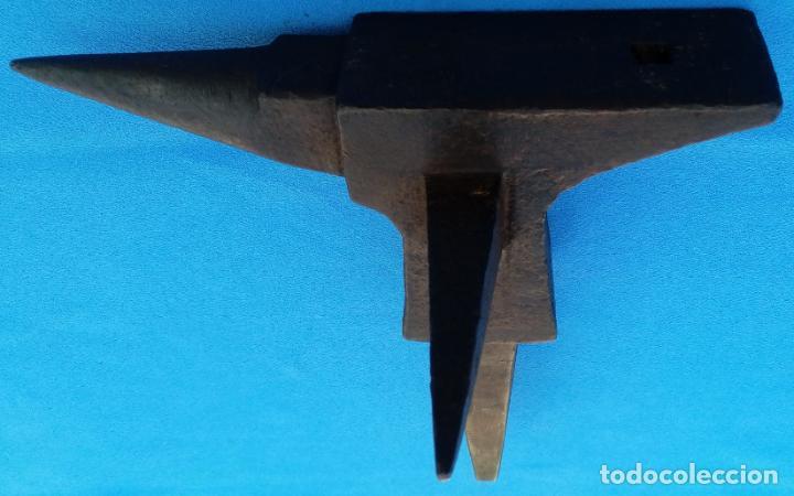 Antigüedades: YUNQUE BIGORNIA ANTIGUO EN HIERRO FORJA -S. XVIII-. 21 CMS DE ALTO Y 2.250 KGR DE PESO. - Foto 6 - 198408727