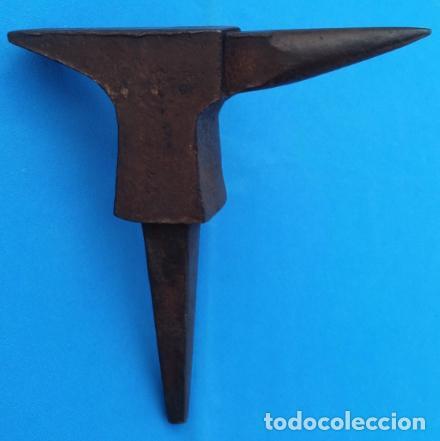 Antigüedades: YUNQUE BIGORNIA ANTIGUO EN HIERRO FORJA -S. XVIII-. 21 CMS DE ALTO Y 2.250 KGR DE PESO. - Foto 8 - 198408727