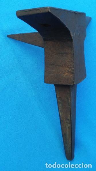 Antigüedades: YUNQUE BIGORNIA ANTIGUO EN HIERRO FORJA -S. XVIII-. 21 CMS DE ALTO Y 2.250 KGR DE PESO. - Foto 9 - 198408727