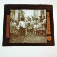 Antigüedades: ANTIGUO CRISTAL LINTERNA MAGICA - LA PROMETENÇA - PRECINEMA INFANTIL EDUCATIVO MUY RARO - 10X8,5 CM. Lote 198618538