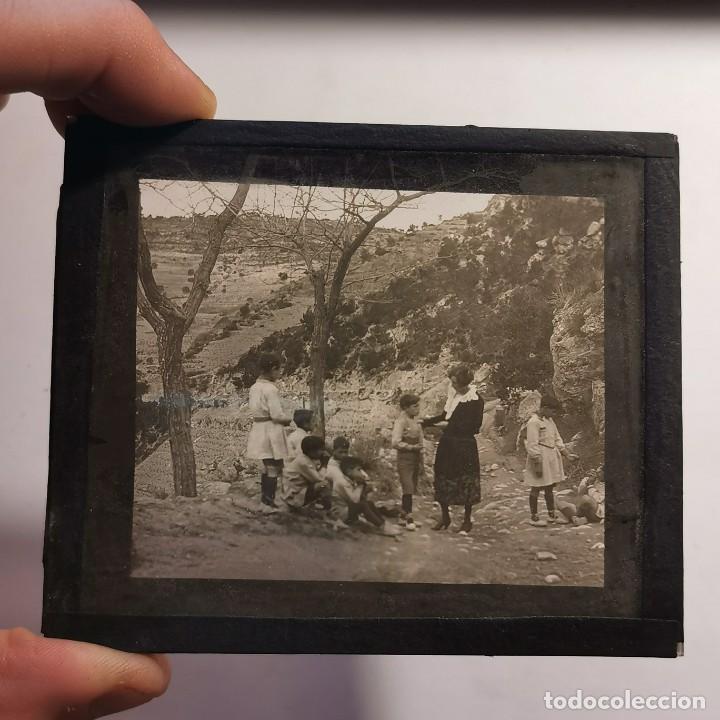 Antigüedades: ANTIGUO CRISTAL LINTERNA MAGICA - EL NOI DOLENT - JOSEP Mª FOLCH TORRES - PRECINEMA - 10X8,5 CM - Foto 3 - 198618893