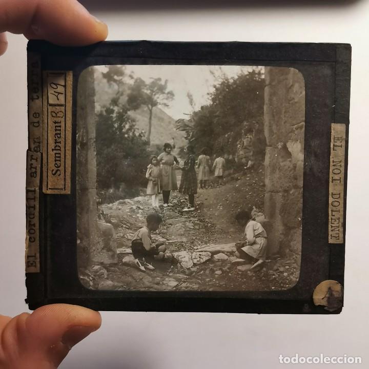 Antigüedades: ANTIGUO CRISTAL LINTERNA MAGICA - EL NOI DOLENT - JOSEP Mª FOLCH TORRES - PRECINEMA - 10X8,5 CM - Foto 2 - 198618963