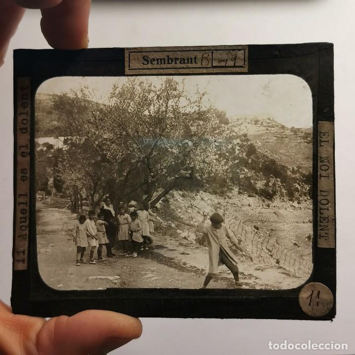 Antigüedades: ANTIGUO CRISTAL LINTERNA MAGICA - EL NOI DOLENT - JOSEP Mª FOLCH TORRES - PRECINEMA - 10X8,5 CM - Foto 2 - 198618992