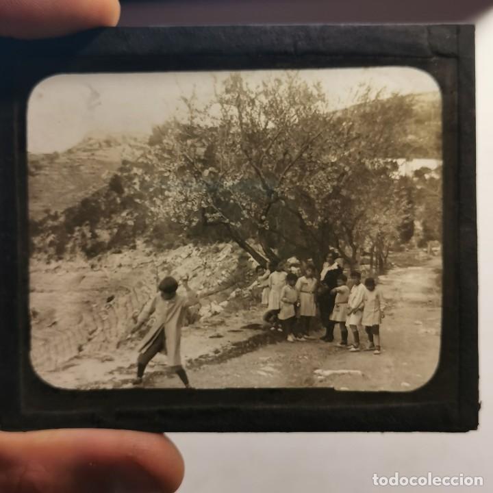 Antigüedades: ANTIGUO CRISTAL LINTERNA MAGICA - EL NOI DOLENT - JOSEP Mª FOLCH TORRES - PRECINEMA - 10X8,5 CM - Foto 3 - 198618992