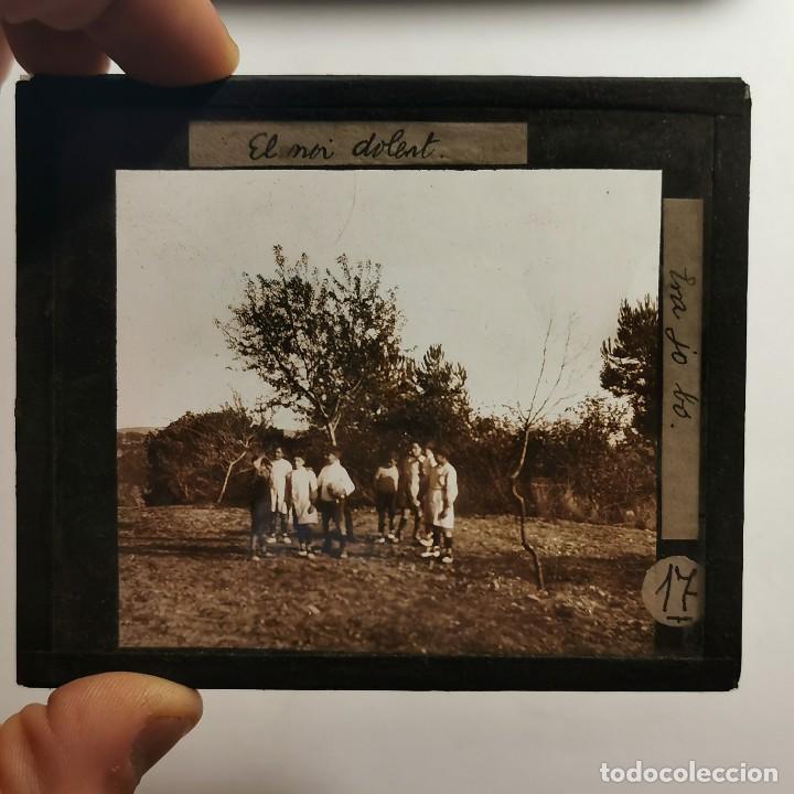 Antigüedades: ANTIGUO CRISTAL LINTERNA MAGICA - EL NOI DOLENT - JOSEP Mª FOLCH TORRES - PRECINEMA - 10X8,5 CM - Foto 2 - 198619058
