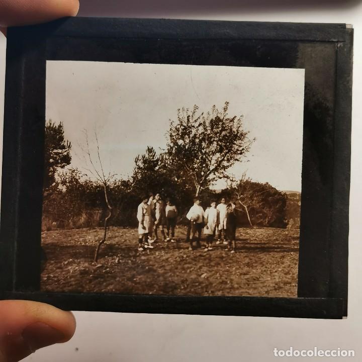 Antigüedades: ANTIGUO CRISTAL LINTERNA MAGICA - EL NOI DOLENT - JOSEP Mª FOLCH TORRES - PRECINEMA - 10X8,5 CM - Foto 3 - 198619058