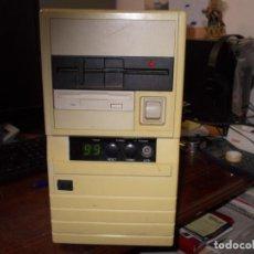 Oggetti Antichi: ANTIGUA CPU, ENCIENDE PERO ESTÁ SIN PROBAR FUNCIONAMIENTO, NO SE ACOMPAÑA CABLE ALIMENTACIÓN. Lote 198633611
