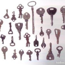 Antigüedades: LOTE DE 30 ANTIGUAS LLAVES DE CERRADURAS, CANDADOS, ETC... LAS DE LA FOTOGRAFIA.. Lote 198708568