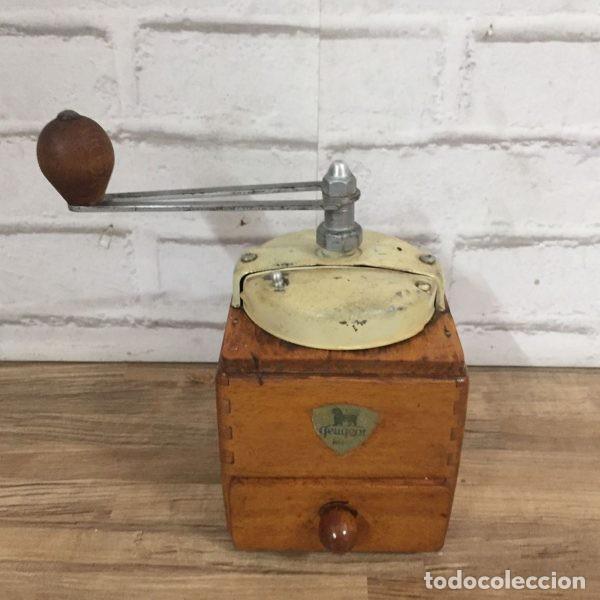 Antigüedades: Antiguo molinillo de café Peugeot Frerés Francia 1940`s - Foto 3 - 198945681
