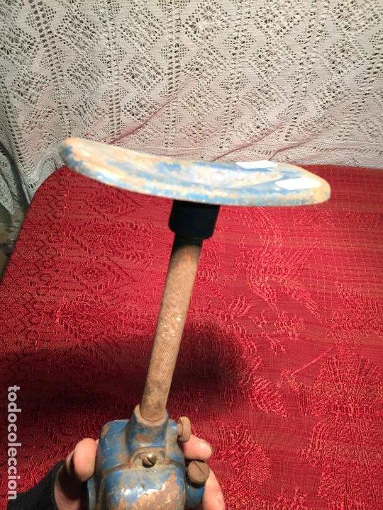 Antigüedades: Antigua maquina taladradora / taladro antigua manual de los años 50 - Foto 8 - 198945746
