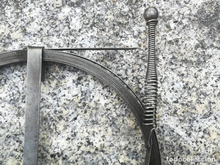 Antigüedades: ANTIGUA Y PRECIOSA GUIA DESATASCADOR DE FONTANERO ELECTRICISTA ? - PARECE HECHA EN ACERO - COMPLE - Foto 4 - 199066548