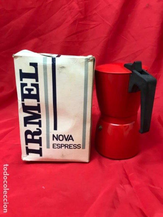 Antigüedades: Irmel cafetera nova express coffeepot rojo nueva vintag coffee maker italiana de coleccion nueva - Foto 3 - 199085375