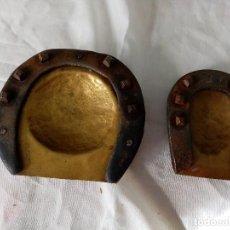 Antigüedades: JUEGO DE 2 CENICEROS ARTESANAL RUSTICO. Lote 199148093