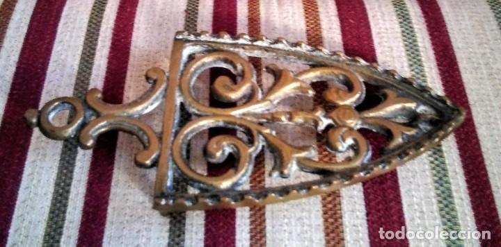Antigüedades: ANTIGUA PLANCHA DE BRONCE CON SU SOPORTE - Foto 4 - 199223041