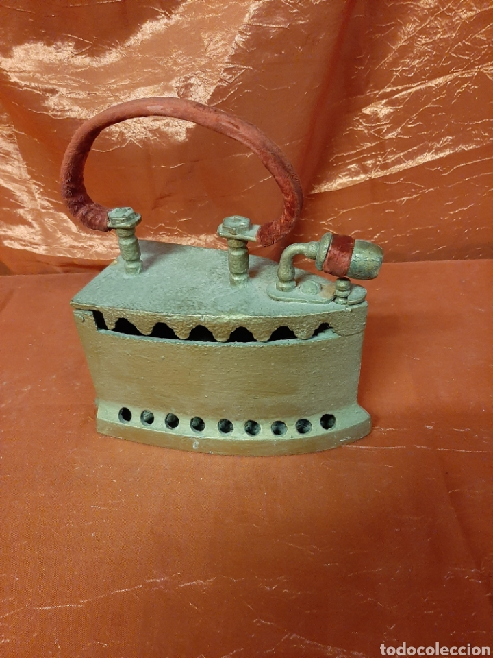 Antigüedades: Antigua plancha de hierro para restaurar con soporte. - Foto 2 - 199391545