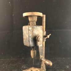 Antigüedades: ANTIGUO TALADRO MANUAL. Lote 199392531