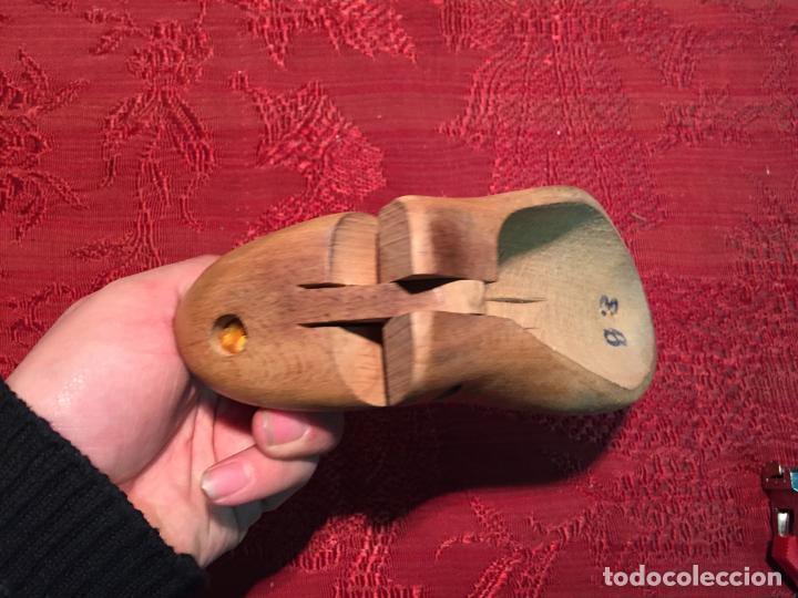 Antigüedades: Antiguas 2 horma / hormas de zapato antiguas para fabricar zapatos años 30-40 - Foto 3 - 199412466