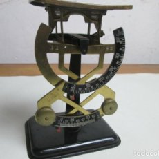 Antigüedades: REF.A12 BASCULA BILATERAL PESA HASTA 250 GRAMOS COMPLETAMENTE FUNCIONAL. Lote 199453016