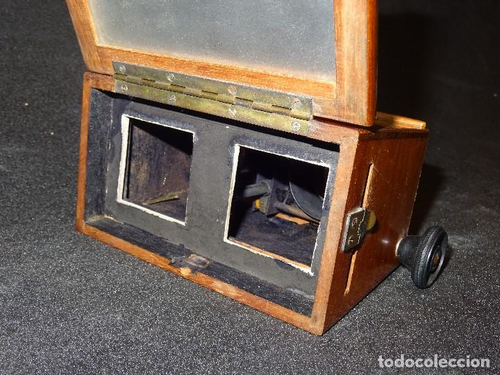 Antigüedades: Estereoscopio eduardino, madera de caoba, circa 1900 - Foto 8 - 199454625