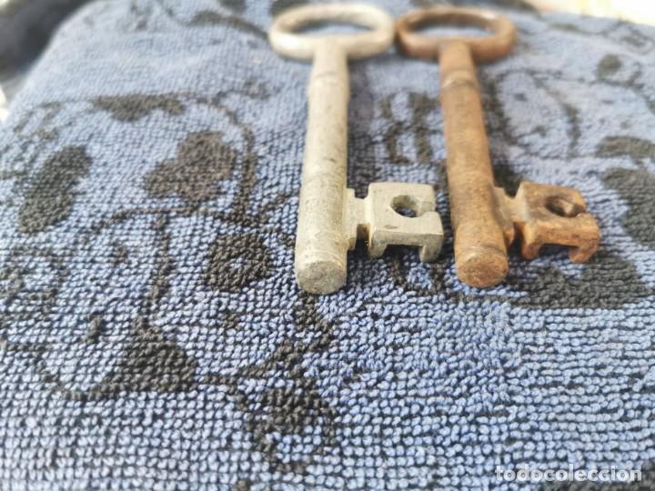 Antigüedades: Llaves antiguas de hierro forjado y aluminio 14 centímetros - Foto 3 - 199459856