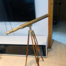 Antigüedades: MAGNIFICO TELESCOPIO NAUTICO CON TRIPODE EN MADERA Y LATON DE GRAN CALIDAD EN ESTILO VICTORIANO. Lote 199491238