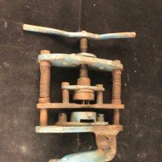 Antigüedades: MÁQUINA PARA PERFORAR. Lote 199498071