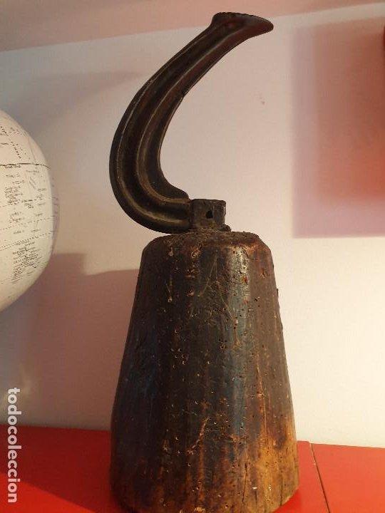 Antigüedades: GRAN HORMA ZAPATERO TIPO YUNQUE EN HIERRO Y MADERA - Foto 2 - 199767057