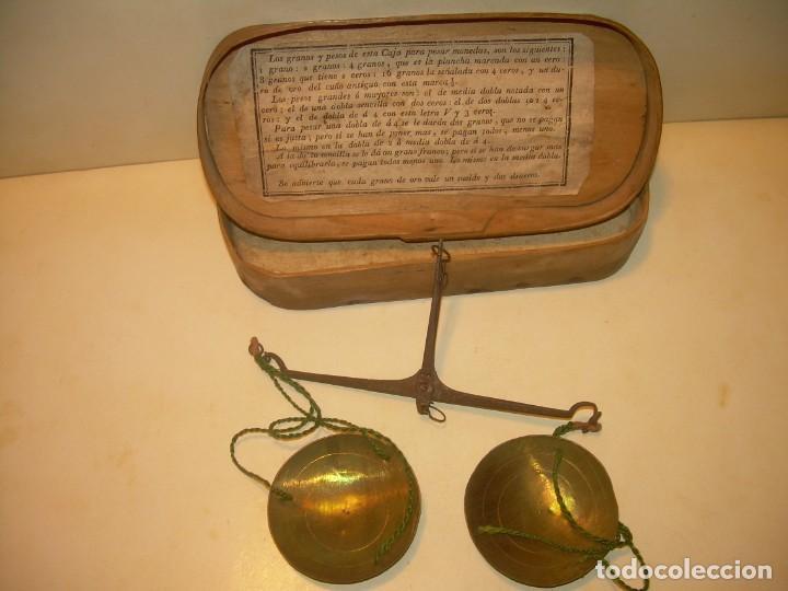 Antigüedades: ANIGUA BALANZA DE HIERRO FORJADO PARA PESAR MONEDAS DE ORO Y PLATA.CON CAJA ORIGINAL. - Foto 2 - 199774167