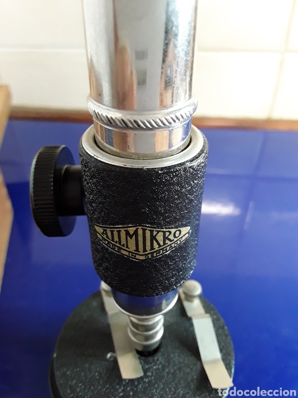 Antigüedades: Bonito microscopio antiguo con caja original y documentacion - Foto 4 - 199857325